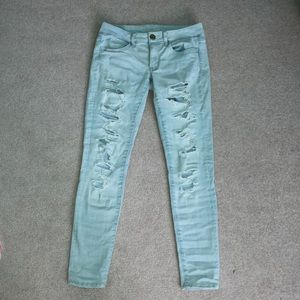 Light Wash Ripped Skinny Jeans